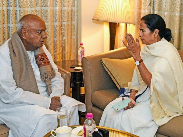 West Bengal Chief Minister Mamata Banerjee meets with Former Prime Minister and Janata Dal (Secular) president HD Deve Gowda at a city hotel in Kolkata, Friday, January 18,2019. Anti BJP leaders are arriving in Kolkata to attend TMC Mega rally. PTI file photo