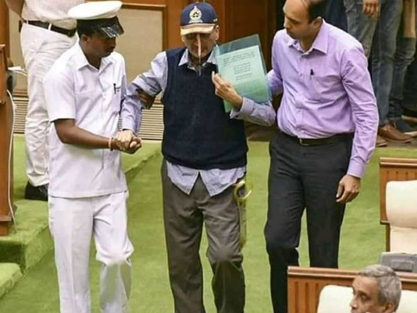 Cong urges Parrikar to resign gracefully, says going to assembly with pipe in nose doesnt suit you