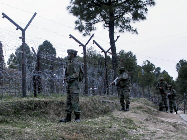 Indian Army jawans patrolling at the Line of Control