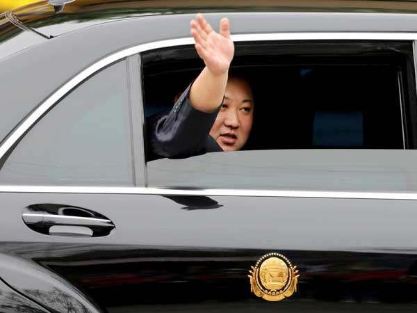 Kim Jong Un pays tribute to Ho Chi Minh on Vietnam visit