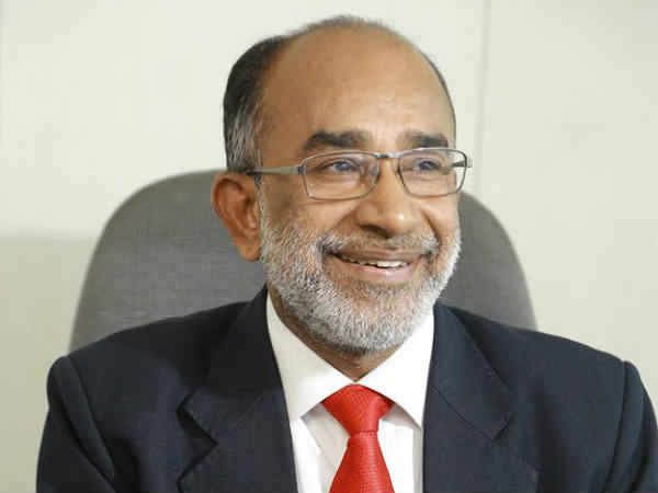 Union Minister KJ Alphons draws flak over his 'selfie' at CRPF jawan's funeral