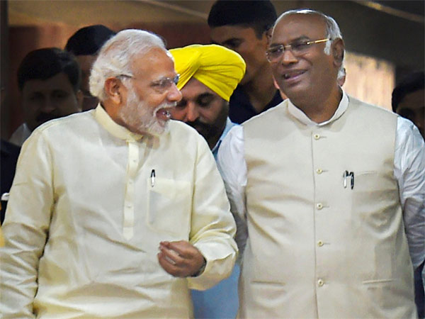 Prime Minister Narendra Modi with Congress Parliamentary Party leader Mallikarjun Kharge