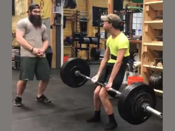 Video: Man with cerebral palsy lifts weight worth 200 pounds; earns Schwarzenegger's praise