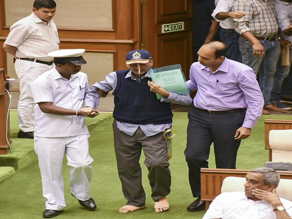 Manohar Parrikar hospitalised, to be kept under observation for 48 hrs
