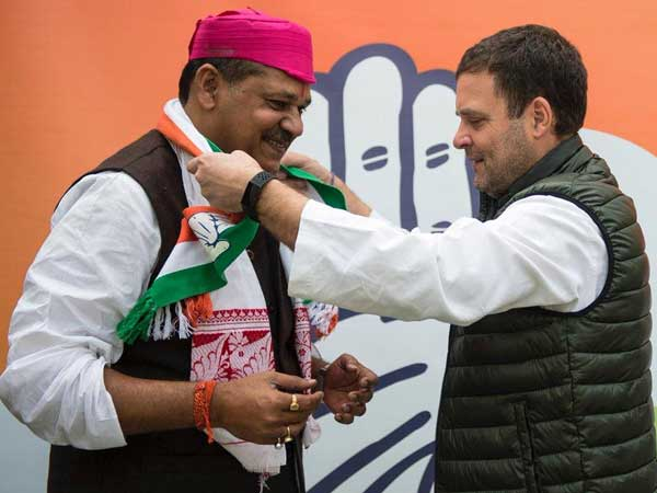 Kirti Azad who was in BJP for close to two decades joins Congress