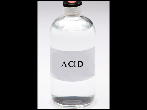 Thinking that its water, Class 5 girl drinks acid in Delhi school; Succumbs to internal injuries