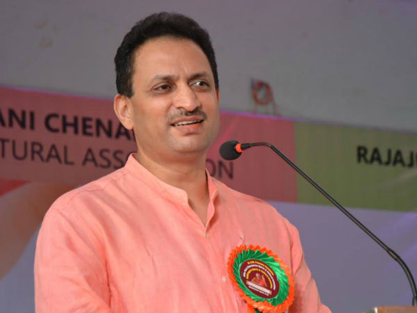 Union Minister Anant kumar Hegde rakes up 'Rahul hybrid breed' row again