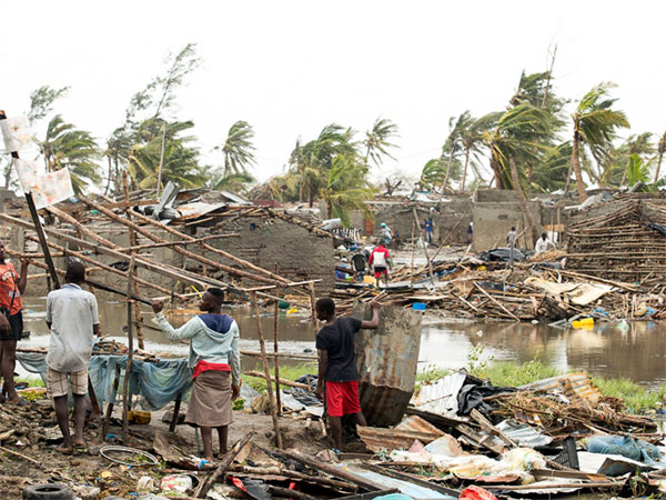 Cyclone Idai devastates 90% of Mozambique's 4th largest city Beira; 1,000 may have died
