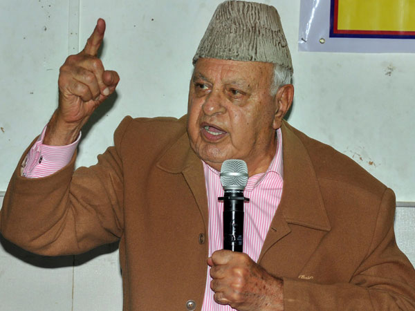 Doubt if 40 jawans killed in Pulwama: Farooq Abdullah