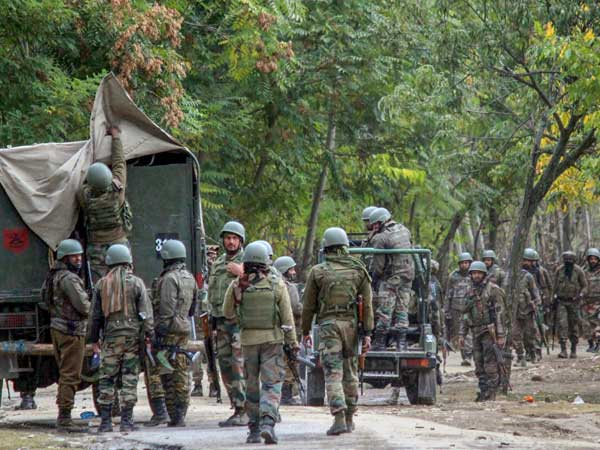 4 security personnel, 1 civilian killed as Handwara entered third day