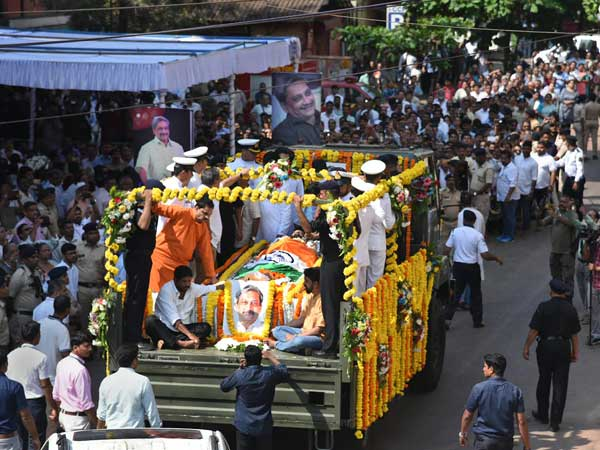 Manohar Parrikar laid to rest at Miramar beach, thousands join funeral procession