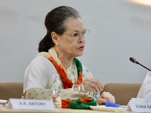'People are real victims of Modi's policies': Sonia Gandhi at Congres CWC meet