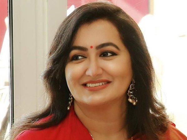 Mandya Lok Sabha: Sumalatha Ambareesh to contest as Independent candidate