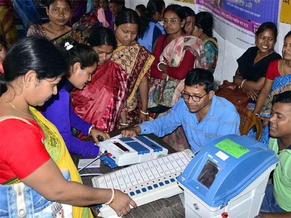 VVPATs in all polling stations says ECI