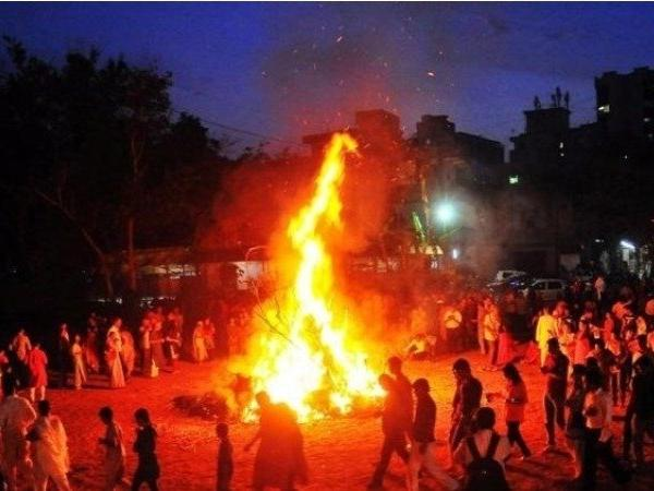 Holika Dahan 2019: Mumbaikars to burn Jaish chief, PUBG effigies on Holi