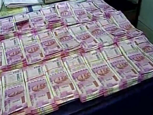 Lok Sabha Elections: Rs 11.85 lakh unaccounted cash seized in Mumbai