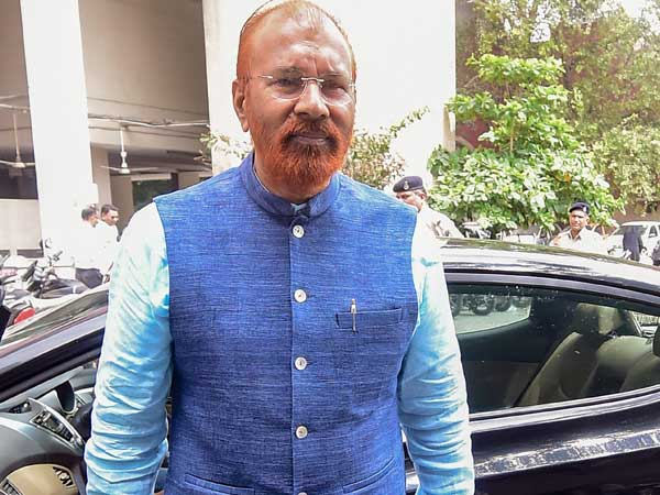 Ishrat case: Order on discharge pleas of Vanzara, Amin on May 2