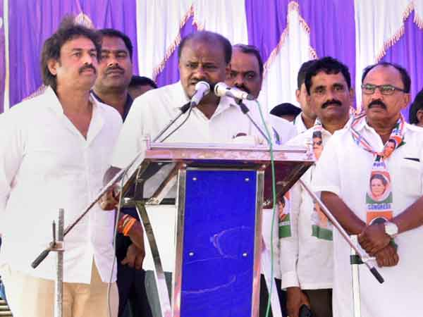 Kumaraswamy bats for dynasty politics