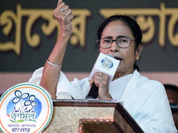 'Might send rosogollas, gifts, but won't give votes': Mamata Banerjee's reply to Modi