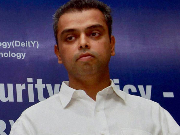 If you truly respect the force, withdraw Pragya's ticket: Milind Deora