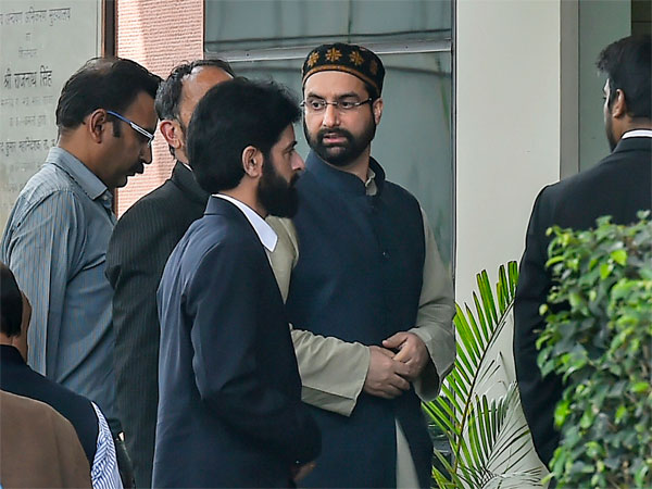 Moderate separatist leader Mirwaiz Umar Farooq arrives at National Investigation Agency (NIA) in connection with a case related to terror funding, in New Delhi