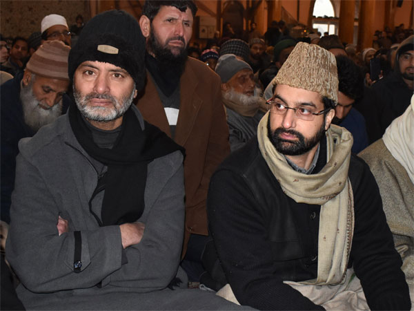 Chairman of Moderate faction of Hurriyat Conference Mirwaiz Umar Farooq and Chairman of Jammu and Kashmir Liberation Front (JKLF) Yasin Malik. PTI file photo