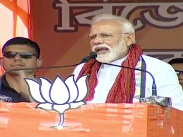 Didi betrayed Maati when she tried to protect infiltrators, says PM Modi