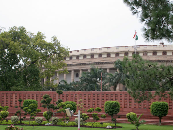 For 4th phase of LS polls, 287 candidates in age group of 245 to 40 years