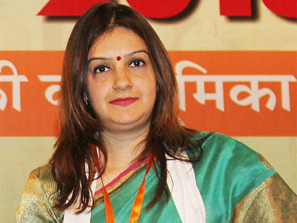 Priyanka Chaturvedi joins Shiv Sena, says hurt that Cong let me down