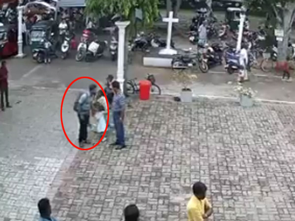 Sri Lanka blasts: Suicide bomber pats a little girl before blowing himself up