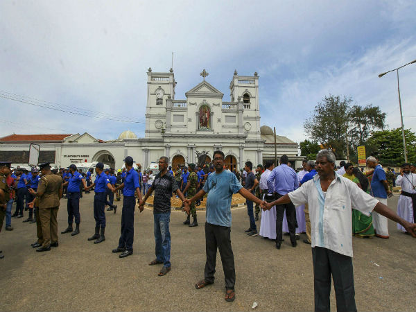 Sri Lanka orders curfew after blasts