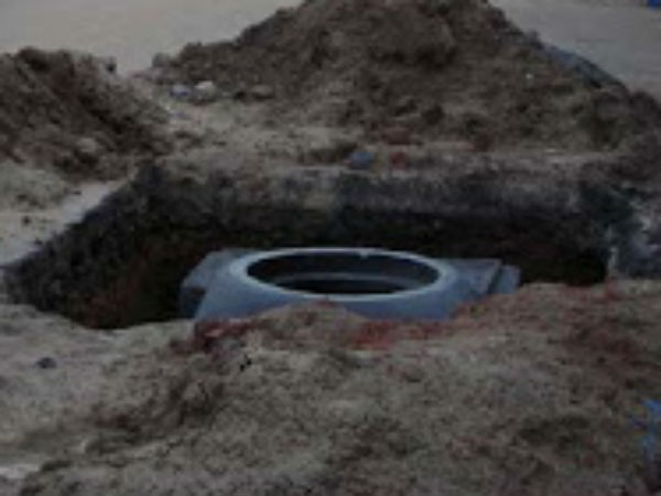 Gurgaon: 3 labourers trapped inside pit, rescued