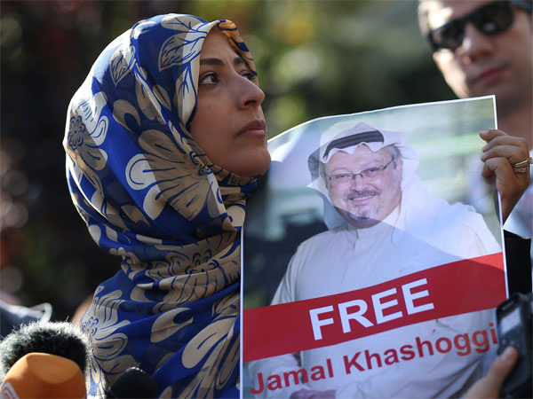 In this file photo, Tawakkol Karman, the Nobel Peace Prize laureate for 2011 holds a picture of missing Saudi writer Jamal Khashoggi as she speaks to journalists near the Saudi Arabia consulate. PTI file photo