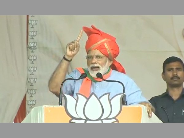 [Abdullahs, Muftis can abuse Modi but won't be able to divide nation, says PM in Kathua]