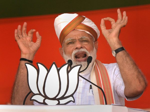 Congress trying to finish neo-middle class in country, says Modi