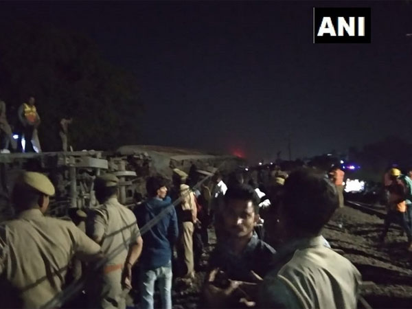 12 coaches of Howrah-Delhi express derail: No casualties reported