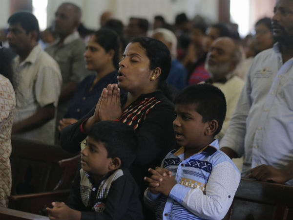 Sri Lanka Catholics hold 1st Sunday Mass since attacks