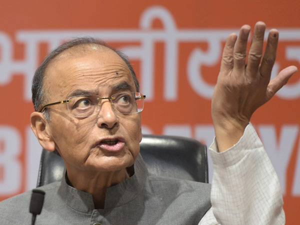 Mayawati unfit for public office, says Arun Jaitley