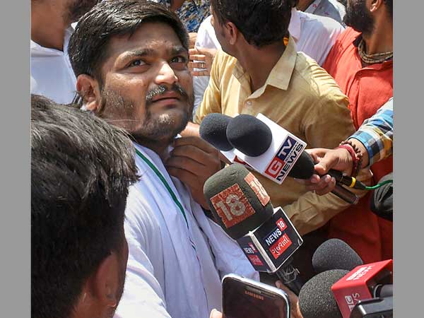 Hardik Patel detained for threatening stir over Surat fire site