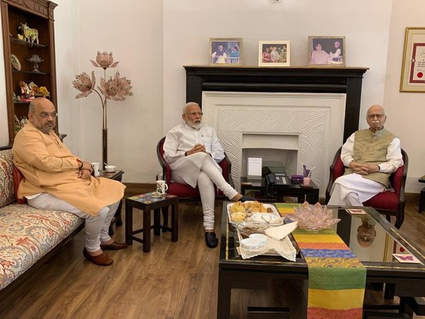 Modi, Shah meet Advani, Joshi
