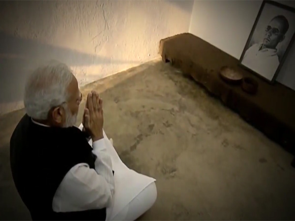 Modi pays tributes Veer Savarkar, says he epitomises courage, commitment towards Nation