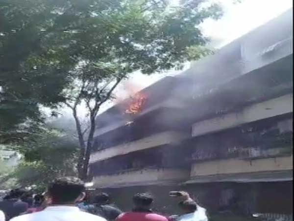 Mumbai: 10-year-old girl dies after fire breaks out near Dadar Police station