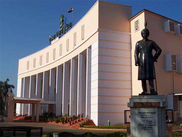 76 of the 147 MLAs in new Odisha assembly are crorepatis