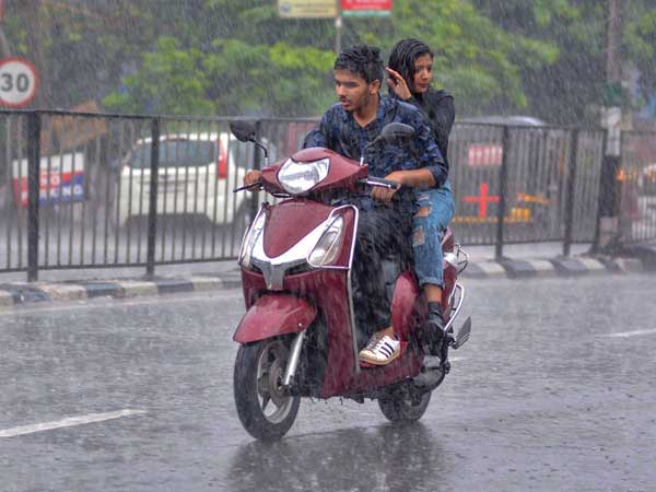 Weather forecast: Light rains likely to make a comeback over Bengaluru, Chennai