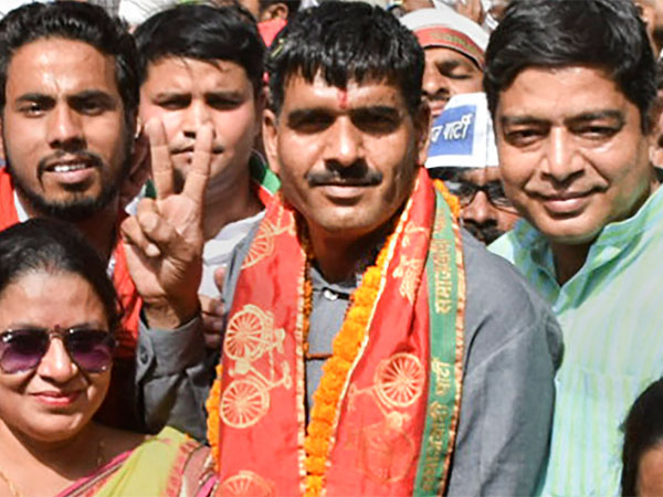 SC asks EC to examine Tej Bahadur Yadav's plea against rejection of his candidature in Varanasi