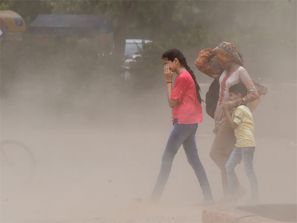 Weather forecast: Delhi-NCR to witness dust storm, pre-Monsoon rains
