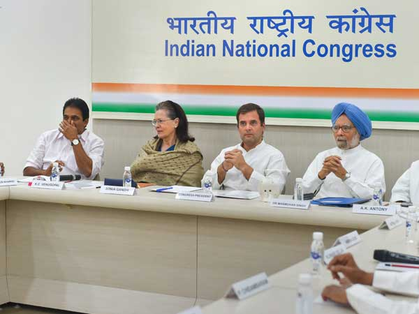 After poll debacle, Rahul Gandhi comes down heavily on senior leaders