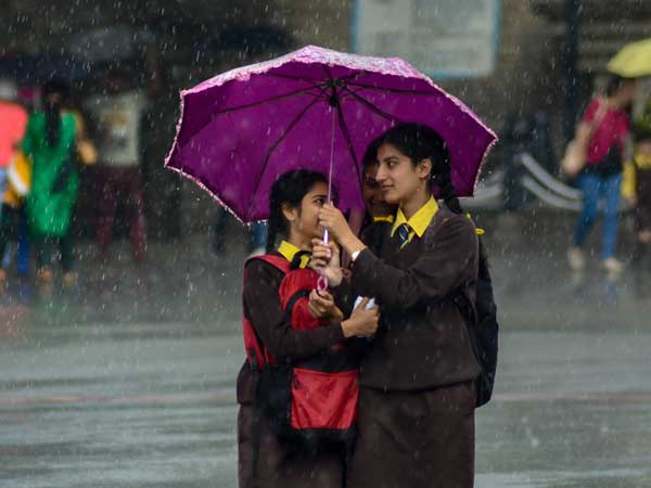 Weather today: Isolated rains in Bengaluru, Delhi to experience wet day