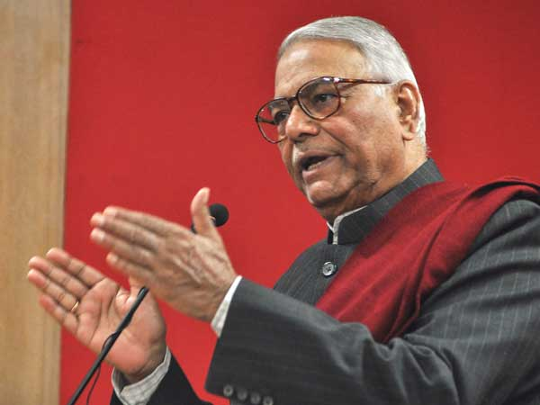 Yashwant Sinha backs Rahul Gandhi, has a message for Congress