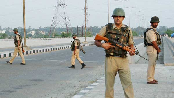 High alert sounded after terrorists tell offices in Srinagar to turn of CCTV cameras